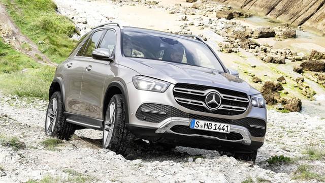 Mercedes-Benz GLE 2019 lột xác ra sao so với thế hệ đi trước? - Ảnh 1.