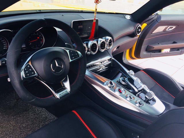 Nữ đại gia Hải Phòng bán Mercedes-Benz AMG GT-S Edition 1 màu vàng độc nhất Việt Nam sau 5.000 km - Ảnh 8.