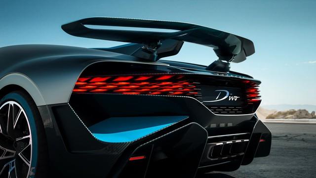 Bugatti đang phát triển thêm 3 phiên bản Chiron mới, có cả bản mui trần - Ảnh 1.