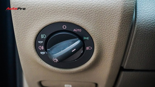 Qua thời đỉnh cao, Audi Q7 10 năm tuổi có giá dưới 700 triệu đồng - Ảnh 11.