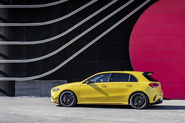 Mercedes-AMG chính thức trình làng xe rẻ nhất A35 - Ảnh 2.