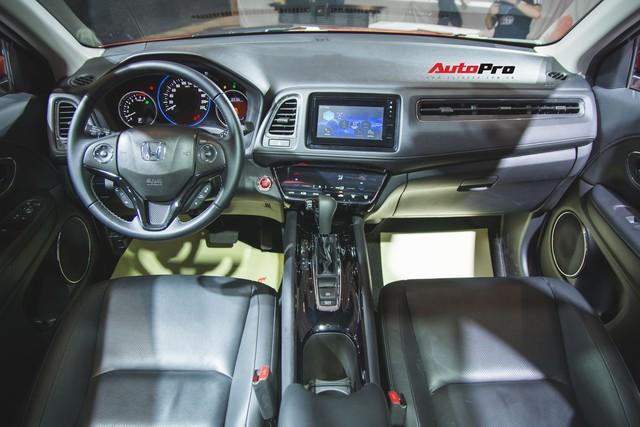 Đánh giá nhanh Honda HR-V giá 871 triệu đồng: Đẹp, độc và đắt - Ảnh 7.