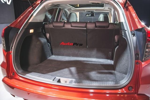 Đánh giá nhanh Honda HR-V giá 871 triệu đồng: Đẹp, độc và đắt - Ảnh 10.