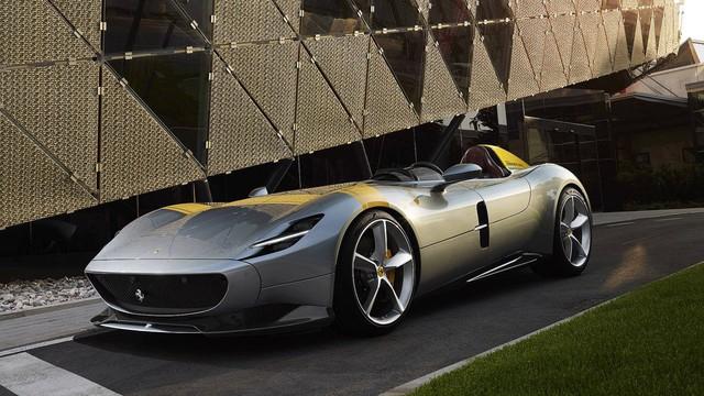 Ferrari chính thức trình làng 2 phiên bản đặc biệt cùng lúc với tên gọi Monza