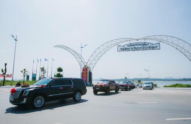Xe Khủng long Mỹ dẫn đầu đoàn rước dâu hoành tráng ở Quảng Ninh - Ảnh 5.