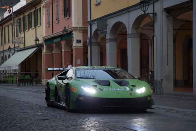 Lamborghini Huracan GT3 Evo - Khi sư tử mọc thêm cánh - Ảnh 5.