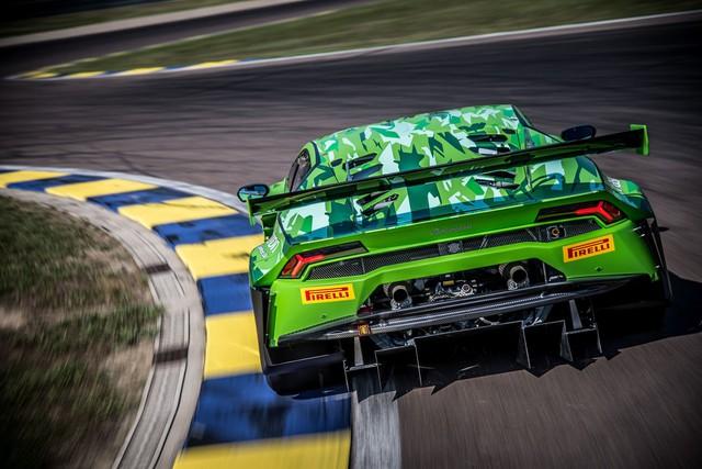 Lamborghini Huracan GT3 Evo - Khi sư tử mọc thêm cánh - Ảnh 10.