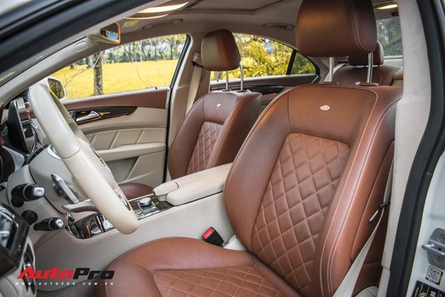 Siêu hiếm tại Việt Nam, Mercedes-Benz CLS 500 vẫn bán lỗ gần 2 tỷ đồng - Ảnh 9.