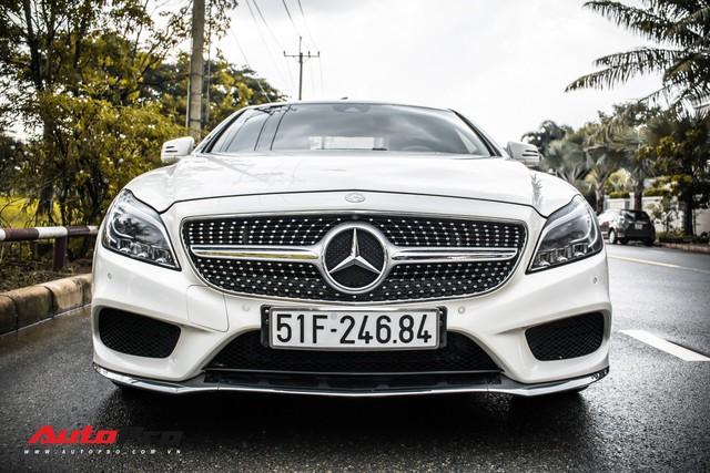 Siêu hiếm tại Việt Nam, Mercedes-Benz CLS 500 vẫn bán lỗ gần 2 tỷ đồng - Ảnh 1.