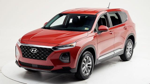 Hyundai Santa Fe 2019 sắp bán tại Việt Nam được chấm thang điểm an toàn tối đa