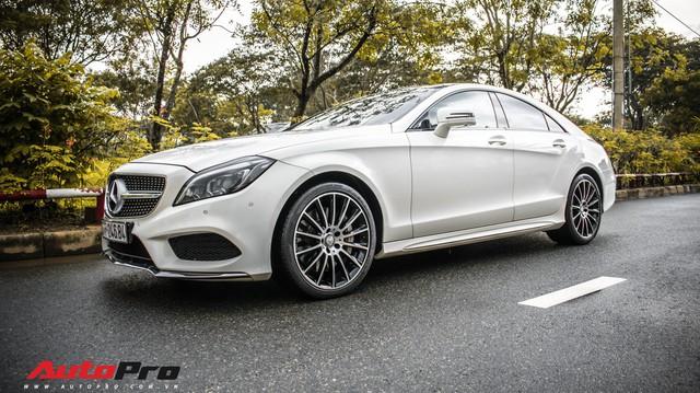 Siêu hiếm tại Việt Nam, Mercedes-Benz CLS 500 vẫn bán lỗ gần 2 tỷ đồng