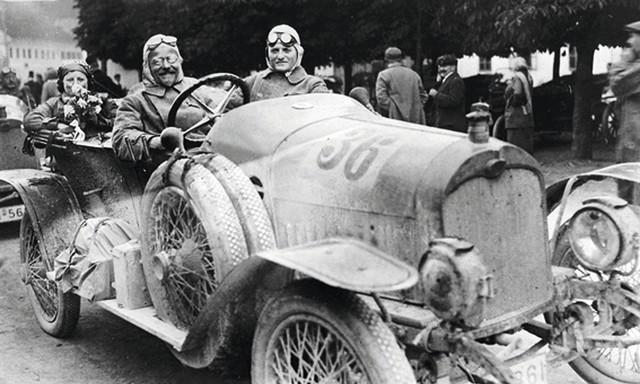 Audi thách thức Maybach của Mercedes-Benz bằng dòng xe này - Ảnh 1.