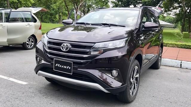 Sáng nay ra mắt bộ 3 xe Toyota nhập khẩu hoàn toàn mới