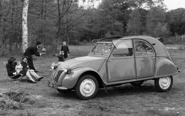 10 dòng xe sống thọ nhất trong lịch sử: Không có xe Nhật, Hàn - Ảnh 6.