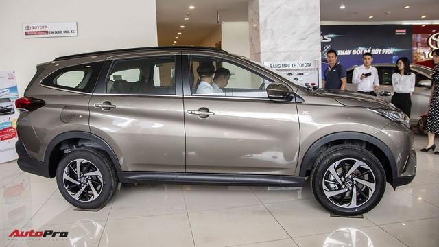 Đánh giá nhanh Toyota Rush: Vừa đủ để gây áp lực lên Xpander - Ảnh 3.