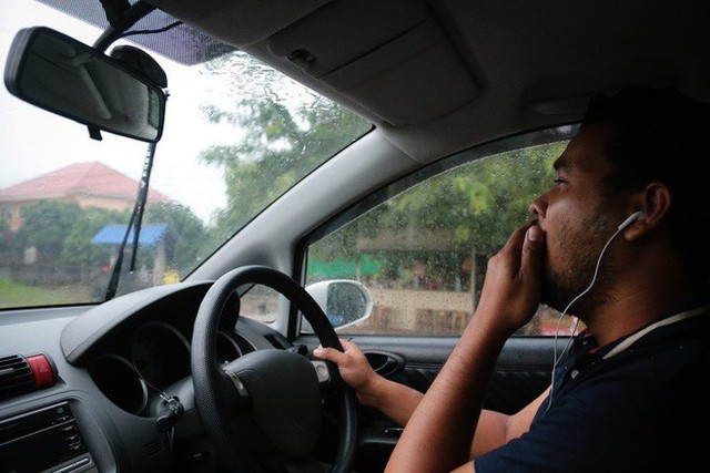 8 việc tuyệt đối không làm khi đặt chân lên xe ô tô: Điều thứ 3 các bà vợ hay mắc nhất! - Ảnh 2.