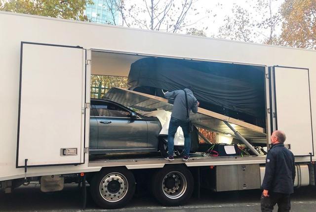 Chùm ảnh: Cận cảnh 2 xe VinFast được vận chuyển tới Paris Motor Show - Ảnh 4.