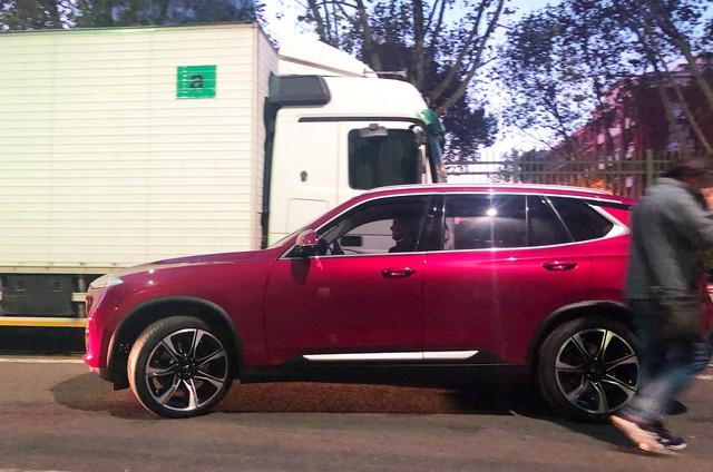 Chùm ảnh: Cận cảnh 2 xe VinFast được vận chuyển tới Paris Motor Show - Ảnh 8.