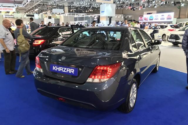 Những mẫu xe đặc sắc nhất cùng sân chơi với Rolls-Royce nước Nga - Ảnh 10.