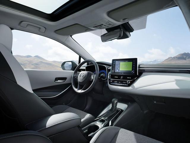 Toyota Corolla bản kéo dài chốt ngày ra mắt, lộ ảnh hoàn chỉnh - Ảnh 3.