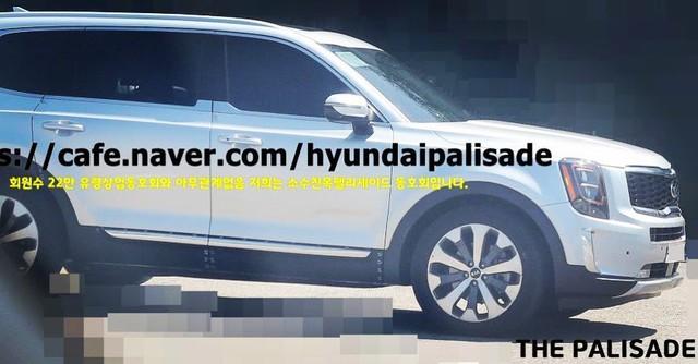 Telluride - SUV 7 chỗ đàn anh của Kia Sorento lộ ảnh hoàn chỉnh - Ảnh 3.