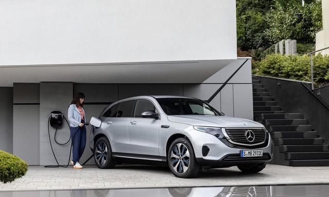 Daimler ngưng hoàn toàn phát triển động cơ đốt trong, chuyên tâm vào xe điện nhắm ngôi vị số 1 trong tương lai - Ảnh 2.