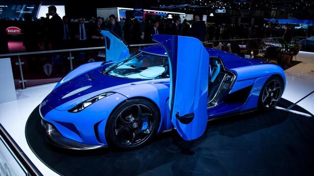 Koenigsegg - Thương hiệu sở hữu siêu xe nhanh nhất thế giới choáng váng với khả năng tăng tốc của Tesla Roadster
