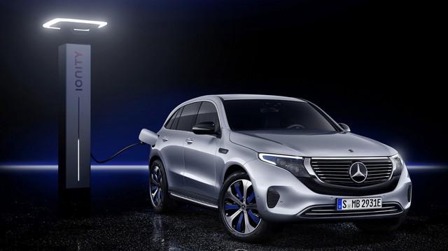 Mercedes-Benz ra mắt SUV điện đầu tiên EQC, chính thức khai chiến với Tesla