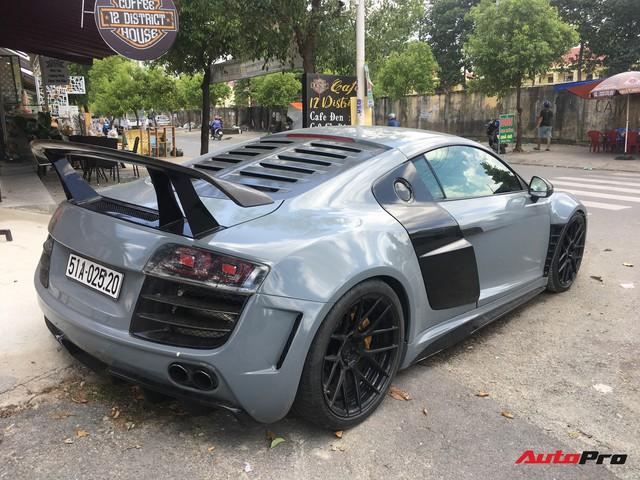 """Audi R8 độ """"khủng"""" nhất Việt Nam khoác màu xanh đá lạ lẫm - Ảnh 1."""