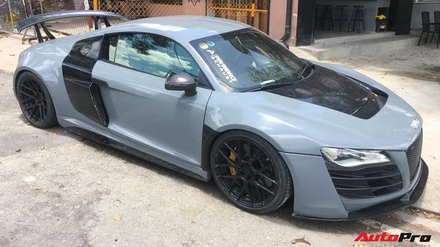 """Audi R8 độ """"khủng"""" nhất Việt Nam khoác màu xanh đá lạ lẫm"""
