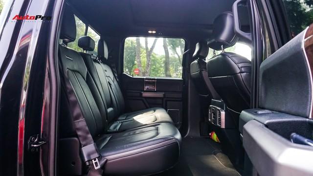 Siêu bán tải Ford F-150 Platinum - Hàng hiếm tiền tỷ trên thị trường xe cũ Việt Nam - Ảnh 18.