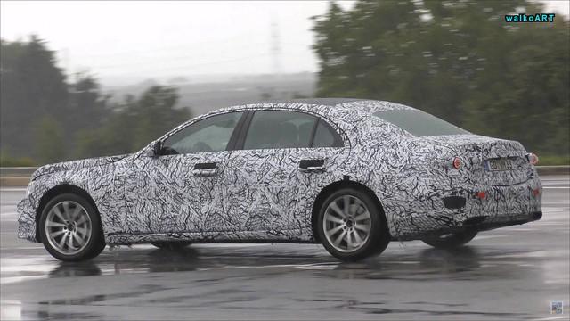 Mercedes-Benz S-Class 2020 chạy thử dưới mưa nhưng lại bị phát hiện ra điều mới mẻ này - Ảnh 3.