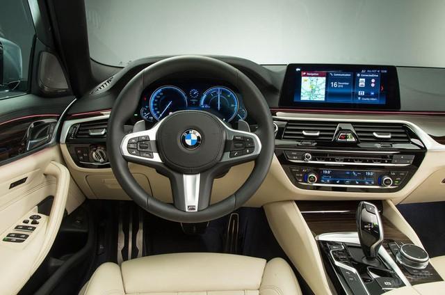 BMW khiến người dùng iPhone phiền lòng khi phải trả tiền để sử dụng dịch vụ - Ảnh 1.