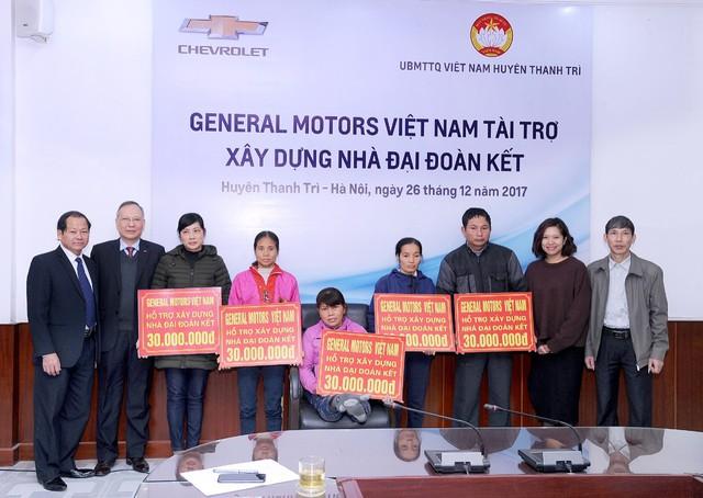 GM Việt Nam trao tặng học bổng Chevrolet chào năm mới - Ảnh 2.