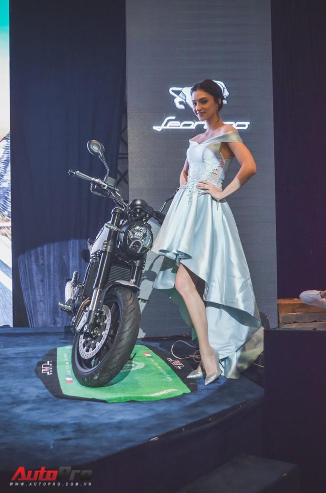 Benelli Việt Nam chính thức ra mắt Leoncino 2018 - đối thủ Ducati Scrambler Sixty2 - Ảnh 1.