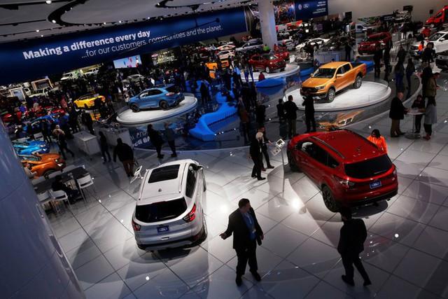 Các hãng ô tô rót 90 tỷ USD cho xe điện - Ảnh 1.
