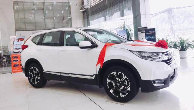 Khách hàng mua Honda CR-V 2018 chênh giá và phải thêm phụ kiện: Vẫn thấy đáng tiền - Ảnh 1.