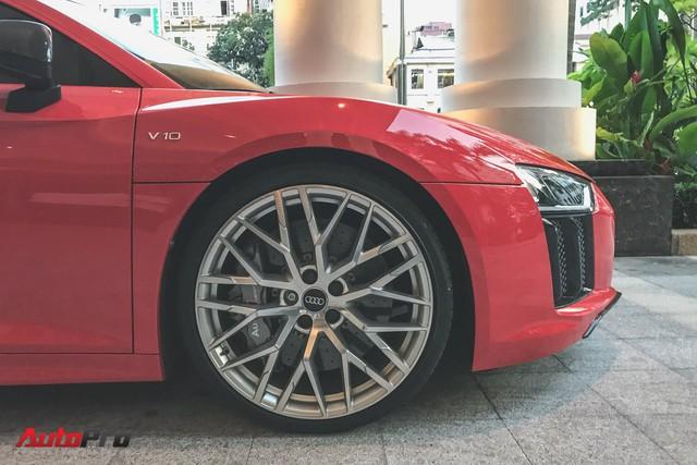 Audi R8 V10 Plus từng của Đông Nhi và Ông Cao Thắng tái xuất trên phố - Ảnh 8.