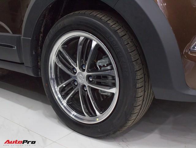 BAIC F6 nhái Lexus RX, giá 588 triệu đồng cạnh tranh Toyota Innova tại Việt Nam - Ảnh 4.