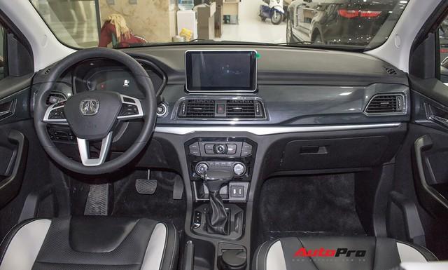 BAIC F6 nhái Lexus RX, giá 588 triệu đồng cạnh tranh Toyota Innova tại Việt Nam - Ảnh 7.