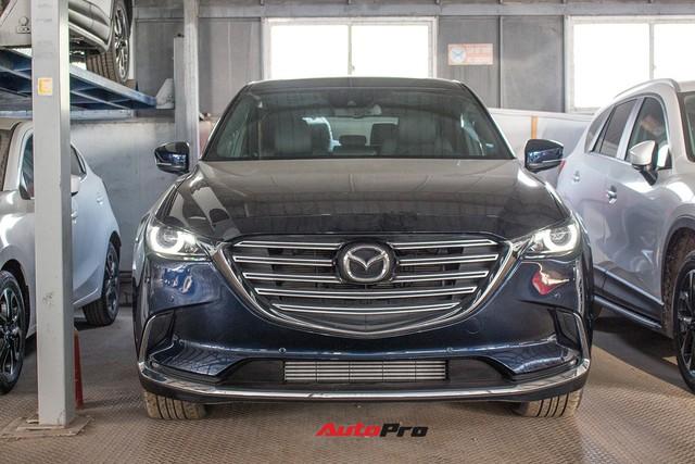 Mazda CX-9 vẫn âm thầm được bán tại Việt Nam, giá 2,15 tỷ đồng - Ảnh 1.
