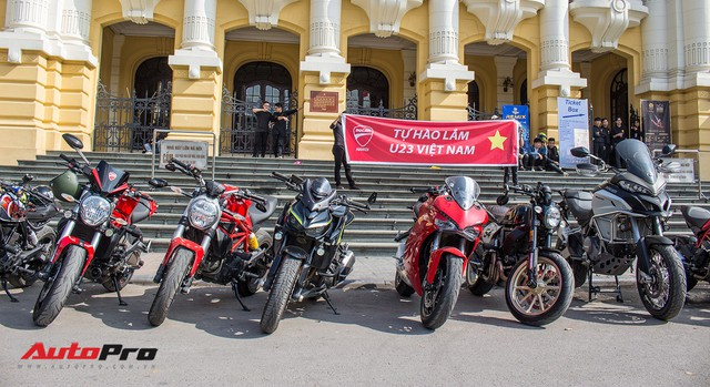 Dàn ô tô, mô tô phân khối lớn mang cờ tổ quốc xuống cổ vũ U23 Việt Nam - Ảnh 6.