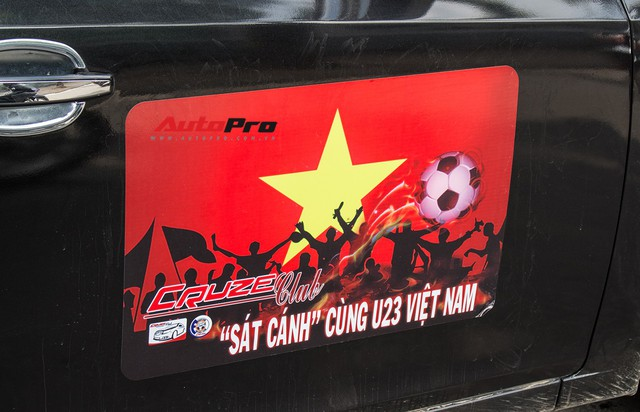 Dàn ô tô, mô tô phân khối lớn mang cờ tổ quốc xuống cổ vũ U23 Việt Nam - Ảnh 21.