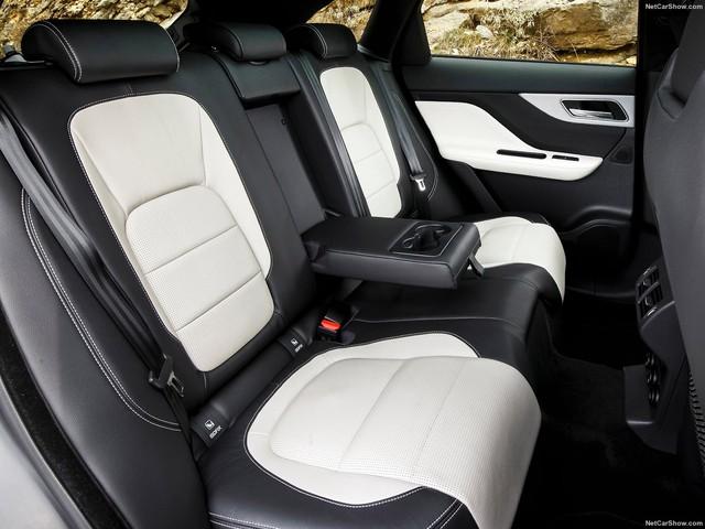 SUV thể thao Jaguar F-Pace S đầu tiên xuất hiện tại Việt Nam - Ảnh 6.
