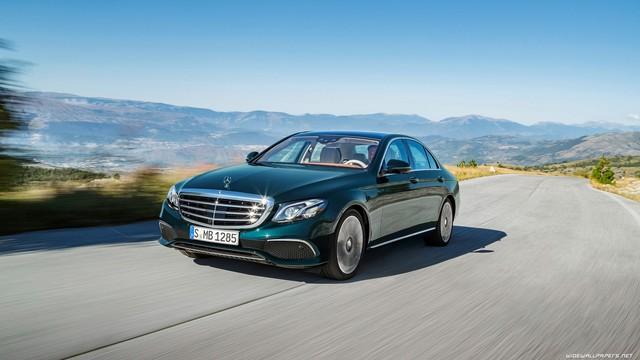 Mercedes-Benz khẳng định bán xe sang nhiều nhất thế giới năm 2017 - Ảnh 1.