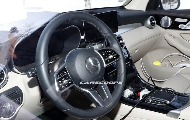 Mercedes-Benz GLC 2019 lộ ảnh nội thất  - Ảnh 5.