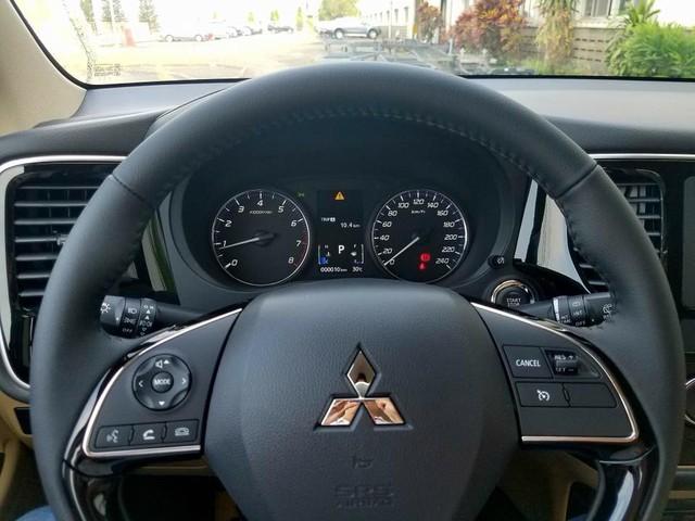 Giảm giá 165 triệu đồng, Mitsubishi Outlander lắp ráp lại có nhiều trang bị hơn bản nhập Nhật - Ảnh 7.
