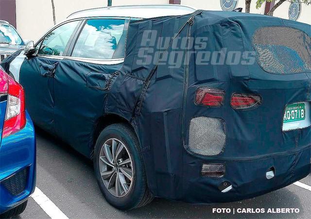 Bắt gặp Hyundai Santa Fe thế hệ mới đang chạy thử - Ảnh 2.