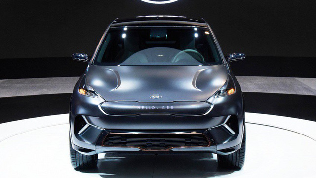 """[CES 2018] Kia Niro EV có thể """"giao tiếp"""" với người đi bộ"""