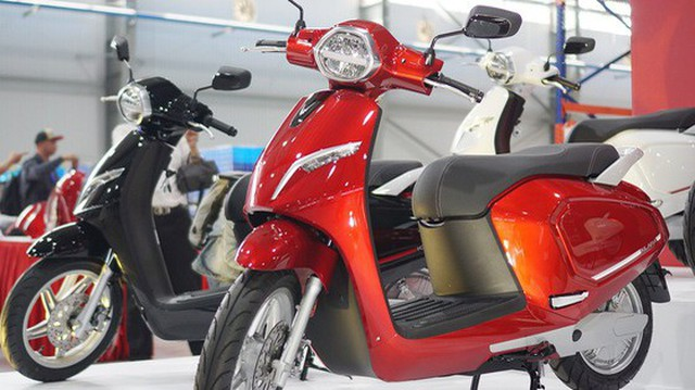 """Bỏ ngỏ thị trường xe máy điện quá lâu, sự tham gia của VinFast sẽ khiến ông lớn Honda, Yamaha """"toát mồ hôi hột""""?"""
